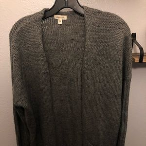 Long and cozy gray cardigan